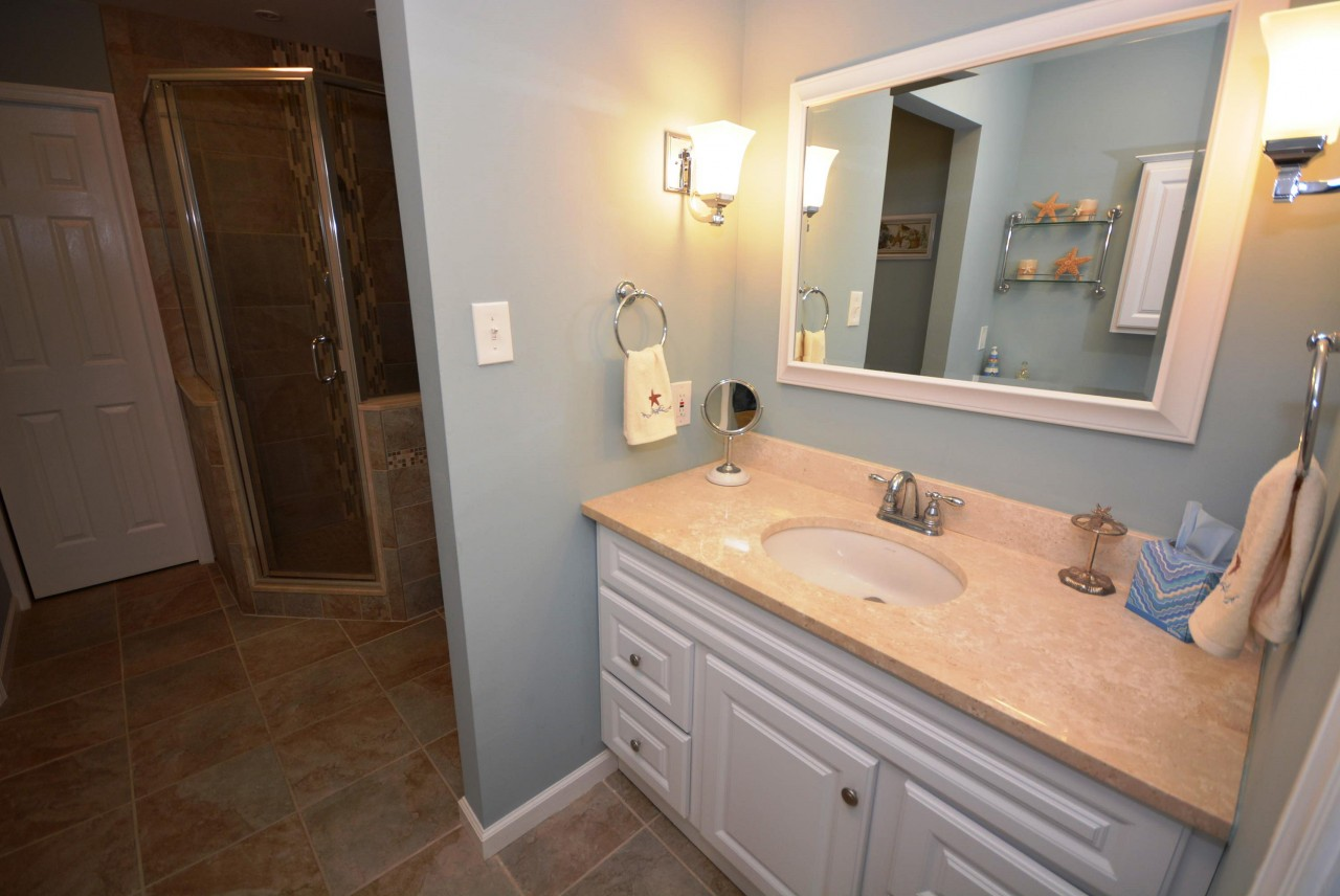 first floor bathroom - Bathroom Rentals